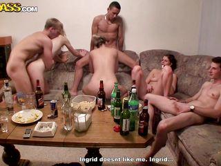 Порно фильмы студенческие вечеринки