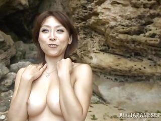 Анальный секс на пляже