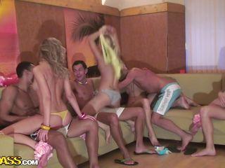 Порно вечеринки в колледже