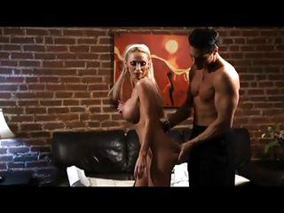 Девушки с маленькой грудью порно