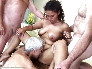 Порно со зрелыми женами