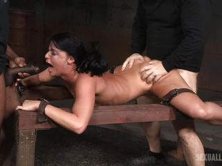 Порно видео большие предметы в попе