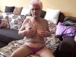 Порно зрелые мамки дрочат