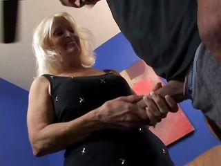 Жена и подруга домашнее порно