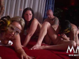 Скачать любительское групповое порно