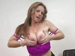 Смотреть порно бесплатно зрелые в нижнем белье