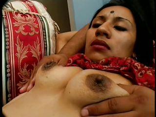 Индианки скрытая камера