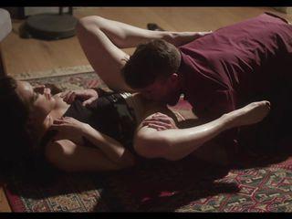 Порно онлайн муж снимает как ебут жену