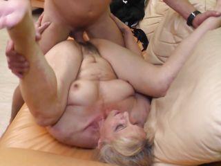 Смотреть порно толстые волосатые бабушки
