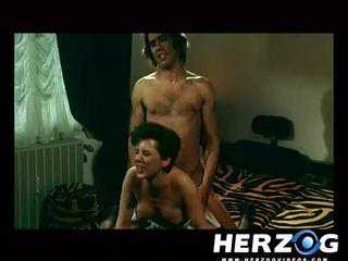 Порно ебут волосатых жен