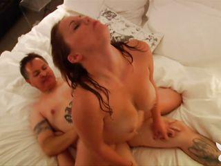 Первый раз любительское порно видео
