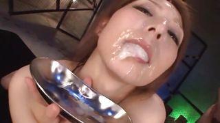 бесплатные порно азиатку поимели в подъезде