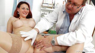 порно доктор гинеколог