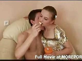 Порно видео много шлюх