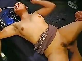 Госпожа ссыт в рот рабу порно видео