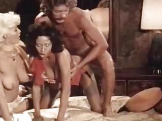 Порно маленький мальчик и большая шлюха