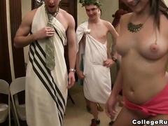 Сиськи видео нудистов