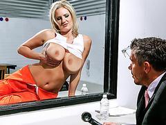 Большие сиськи в масле жопы порно