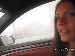 Порно в машине со шлюхой