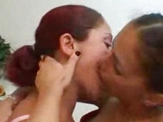 Порно онлайн лесбиянки бдсм